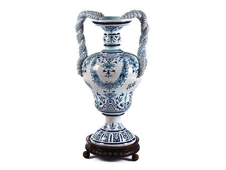 Große Fayence-Vase