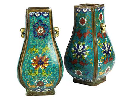 Paar massive Cloisonné-Vasen