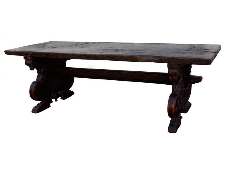 Prächtiger Tisch