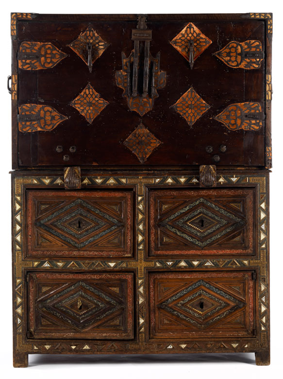 Seltenes Aufsatzschreibmöbel des 17. Jahrhunderts.