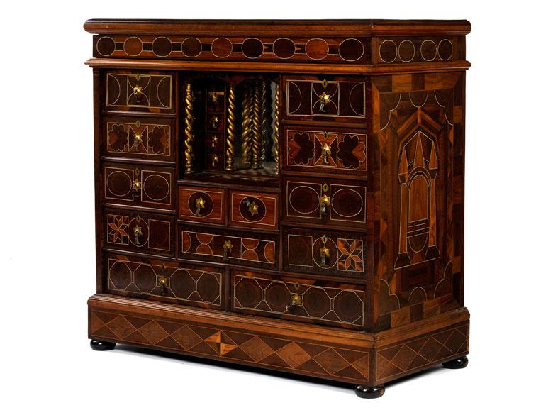 Kabinettkasten des 18./ 19. Jahrhunderts