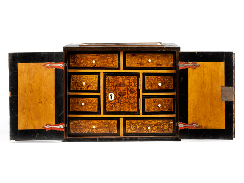Kleines Kabinettkästchen