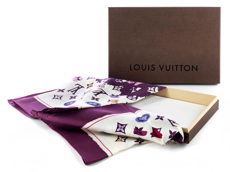Louis Vuitton-Seidencarré