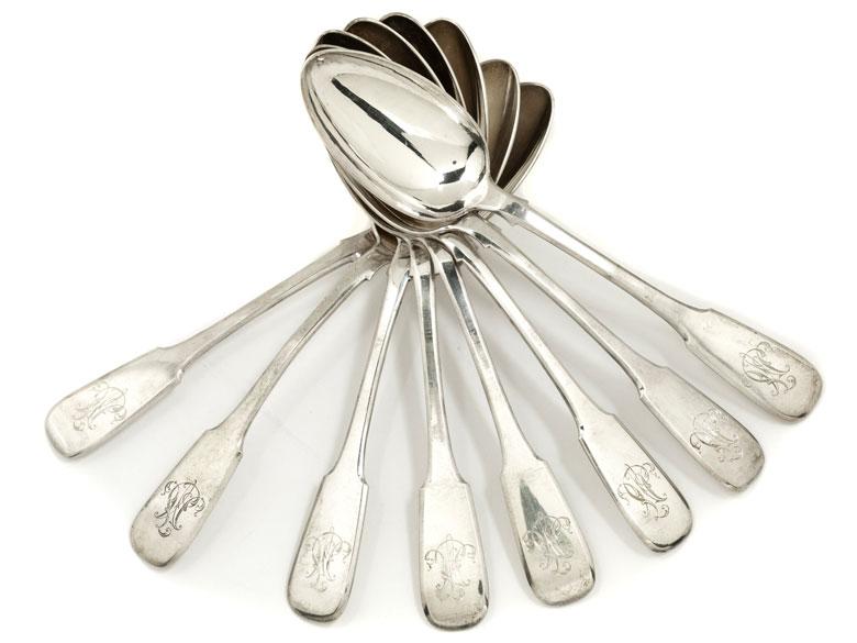 Acht Moskauer Silberlöffel
