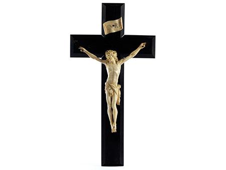 Ebenholzkruzifix mit Corpus Christi in Elfenbein