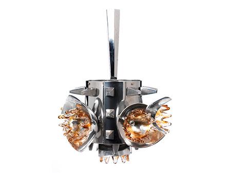 Außergewöhnliche Designlampe in Metall und Glas