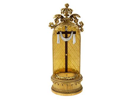 Vergoldeter Kreuzbaldachin im Louis XVI-Stil