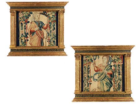 Paar gefasste und teilvergoldete Aedicularahmungen im Renaissance-Stil mit Gobelin-Tapisserieeinlagen