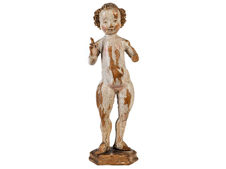 Schnitzfigur eines Jesusknäbleins mit erhobener Segenshand