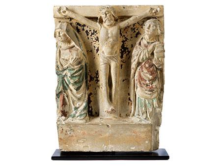 Christuskreuz und Assistenzfiguren Maria und Johannes