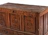 Detail images: Kleine Truhe mit barockem Schnitzdekor