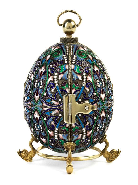 Moskauer Cloisonné-Ei mit Ikone als Überraschung