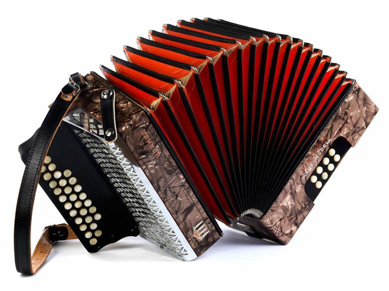 Akkordeon von Hohner, Victoria Club-Modell