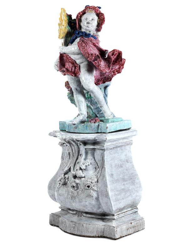 """Nymphenburger Gartenskulptur """"Mädchen mit Blütenbouquet"""""""