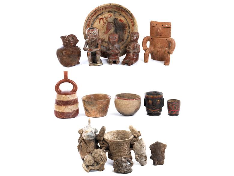 Konvolut von 17 prä- und postkolumbianischen Objekten unterschiedlicher Formen und Epochen