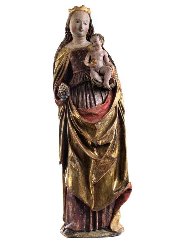 Spätgotische Schnitzfigur einer Madonna mit Kind
