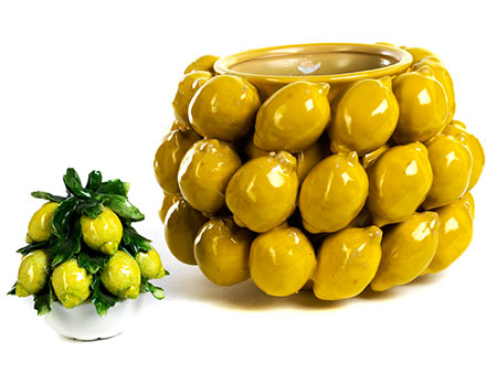 Zwei Keramikgefäße mit Zitronendekor