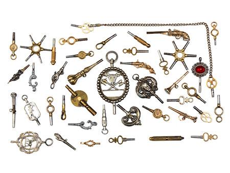 Konvolut von ca. 43 Uhrenschlüsseln