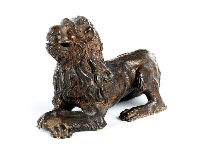 Bronzelöwe