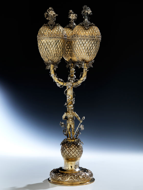 Dreifacher Herzpokal mit Diamantdekor