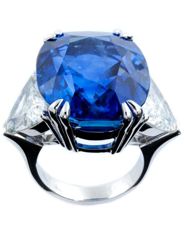 Großer Burmasaphir-Diamantring