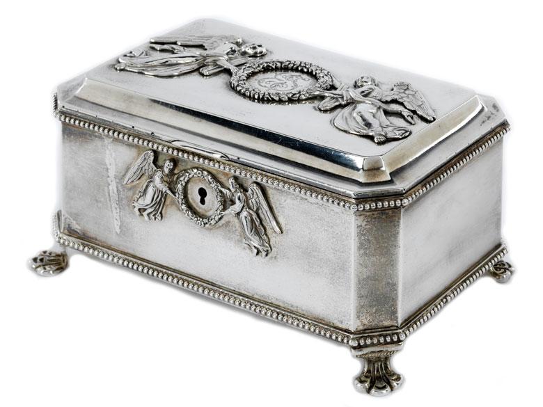 Russische Deckeldose in Silber