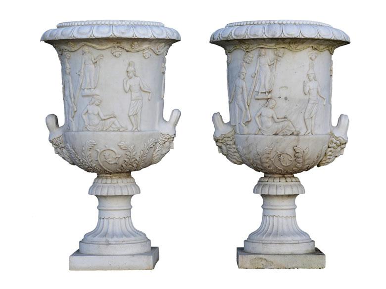 Paar Gartenvasen im klassizistischen Stil