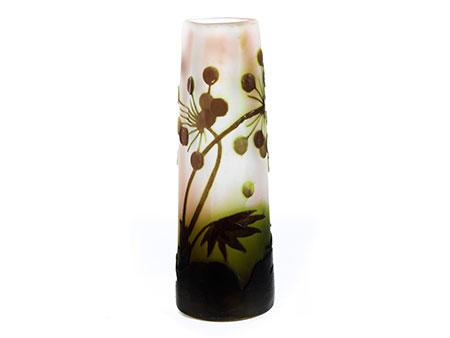 """Glasvase mit Blütendekor, signiert """"Gallé"""""""