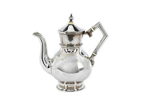 Russische Kaffee- oder Teekanne in Silber
