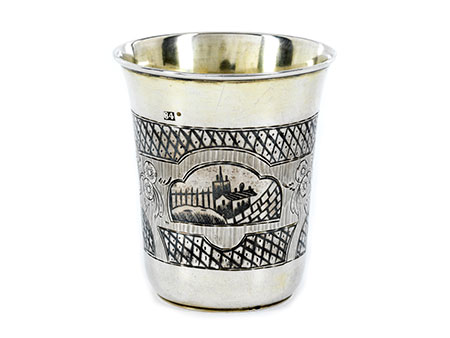 Russischer Wodkabecher in Silber