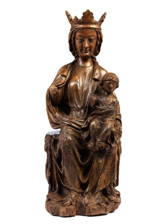 Schnitzfigur einer gotischen Madonna mit dem Kind