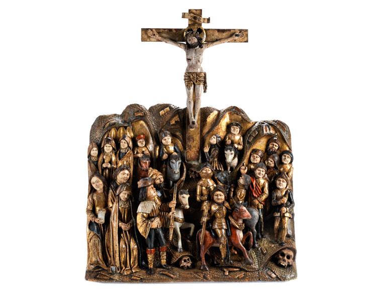 Große museale Schnitzfigurengruppe mit dem Kreuz Christi und Reiterdarstellungen
