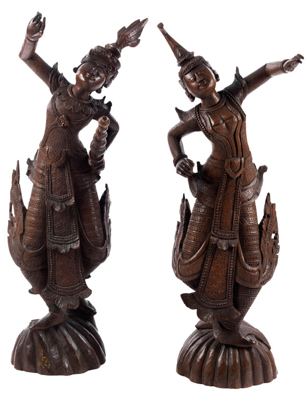 Paar große thailändische Figuren