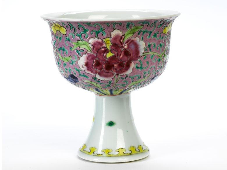 Chinesischer Porzellankelch Famille Rose