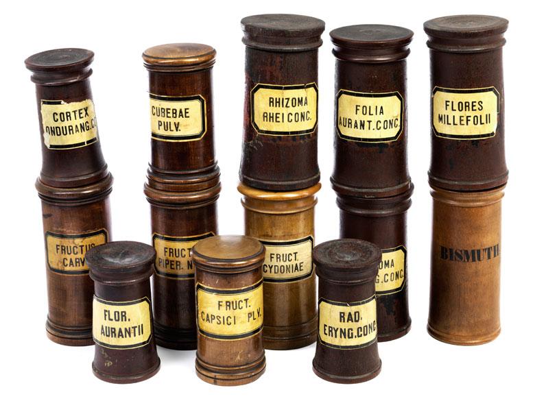 13 pharmazeutische Holzdosen