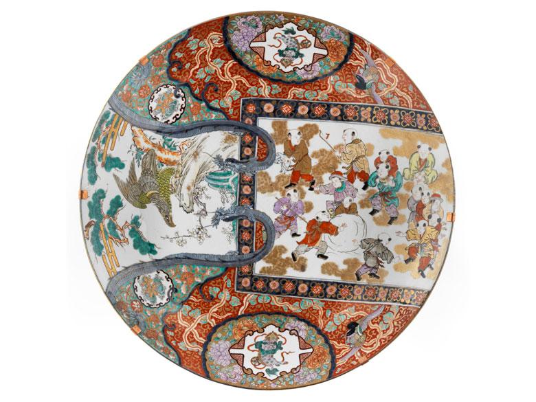 Sehr große Imari-Porzellanplatte