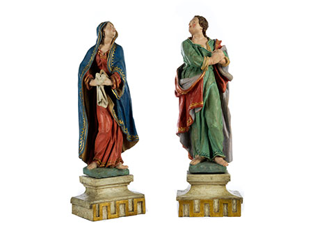 Paar Schnitzfiguren: Maria und Johannes als Assistenzfiguren einer Kreuzgruppe aus dem Bildhauerkreis der Familie Schwanthaler