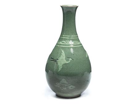 Koreanische Seladon-Vase mit Kranichen