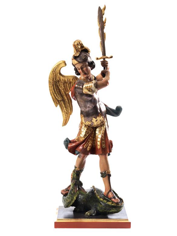 Schnitzfigur des Erzengels Michael
