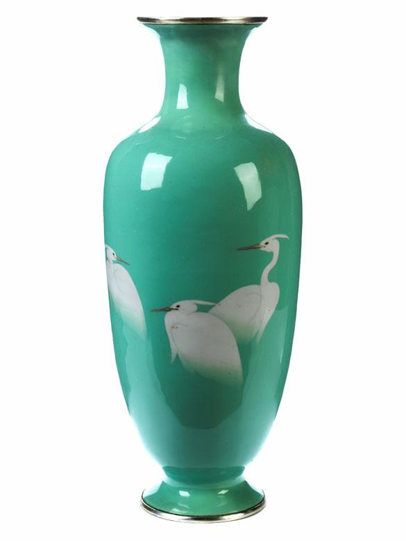 Japanische emaillierte Vase mit Reiherdekor