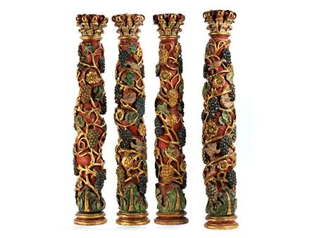 Vier frühbarocke Säulen