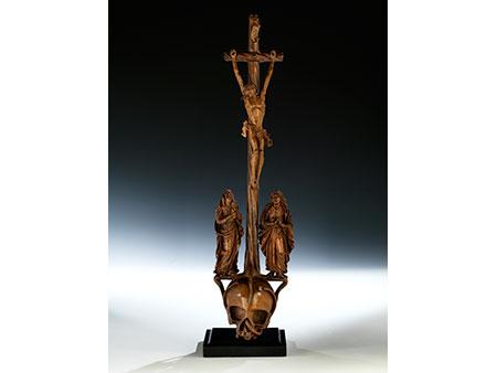 Museale Kreuzgruppe in Buchsbaum geschnitzt
