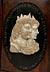 Detail images: Paar Herrscherbildnisse in Marmorreliefarbeit über schwarzer hochovaler Marmorplatte mit Umschriften