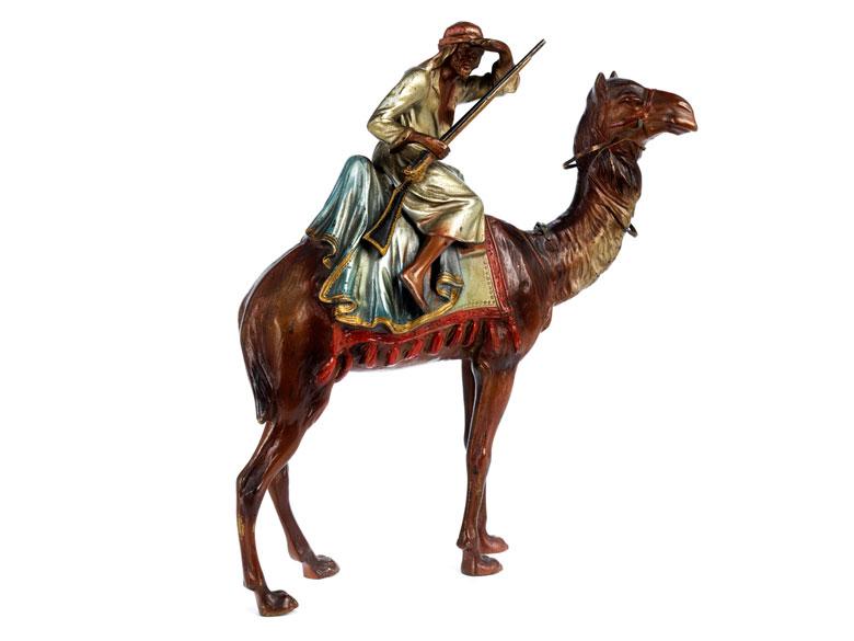 Bronzeskulptur eines reitenden orientalischen Jägers