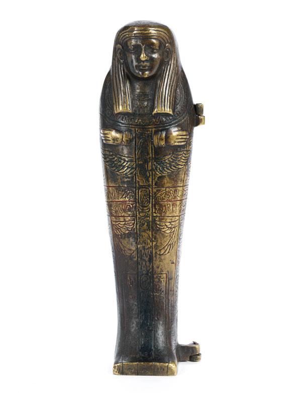 Wiener Bronze in Form einer Mumie