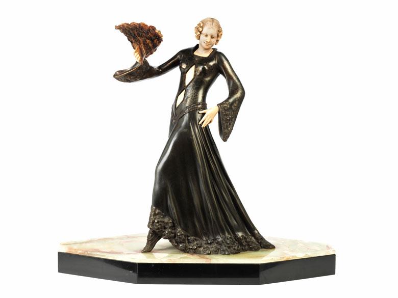 Art déco-Skulptur Frau mit Fächer , signiert Giorgio Gori