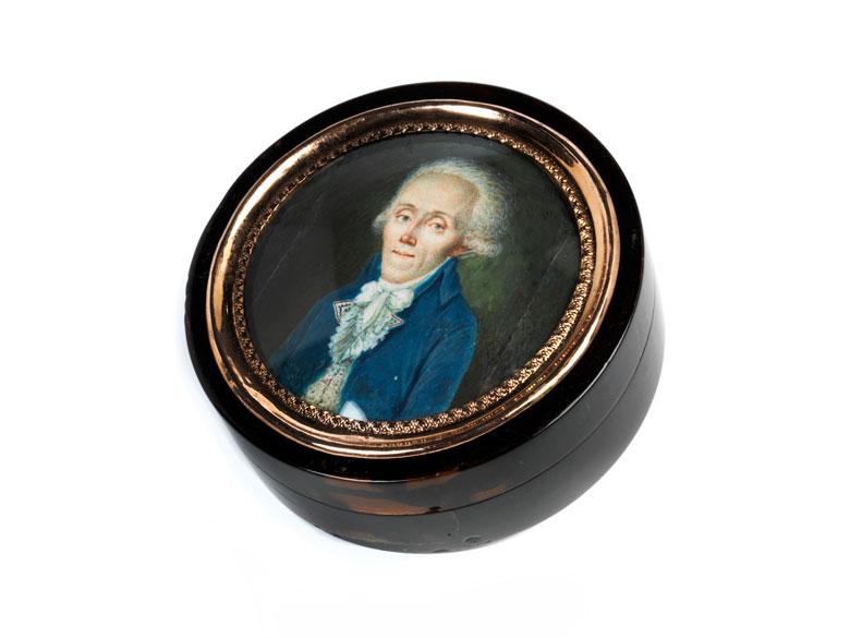 Klassizistische Schildpattdose mit Doppelportrait