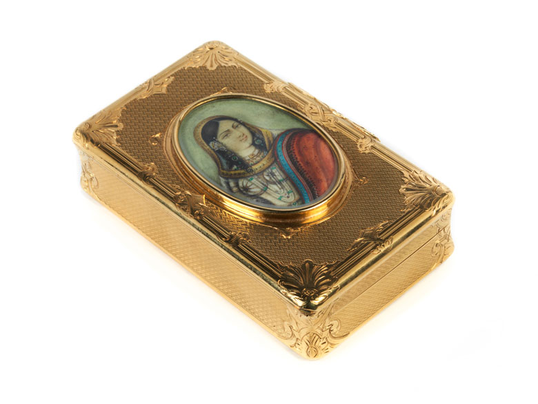 Golddose mit Miniatur