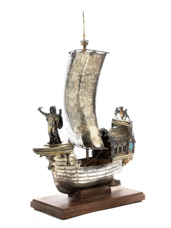 Altmünchner Tafelaufsatz in Form eines Segelschiffes