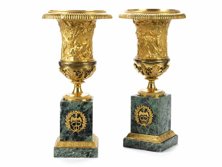 Paar französische Kaminziervasen